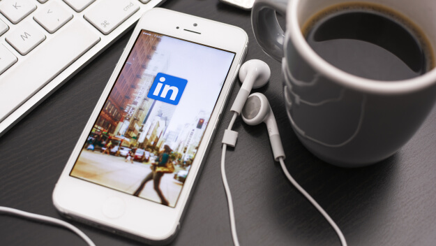 linkedin_iphone_business_groups