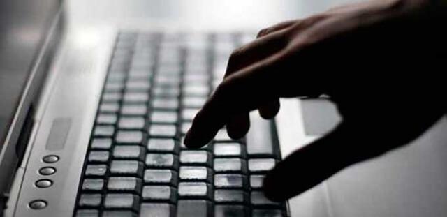 teclado-mano